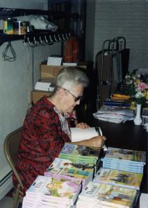 MaryChristnerBorntrager_SigningBooks